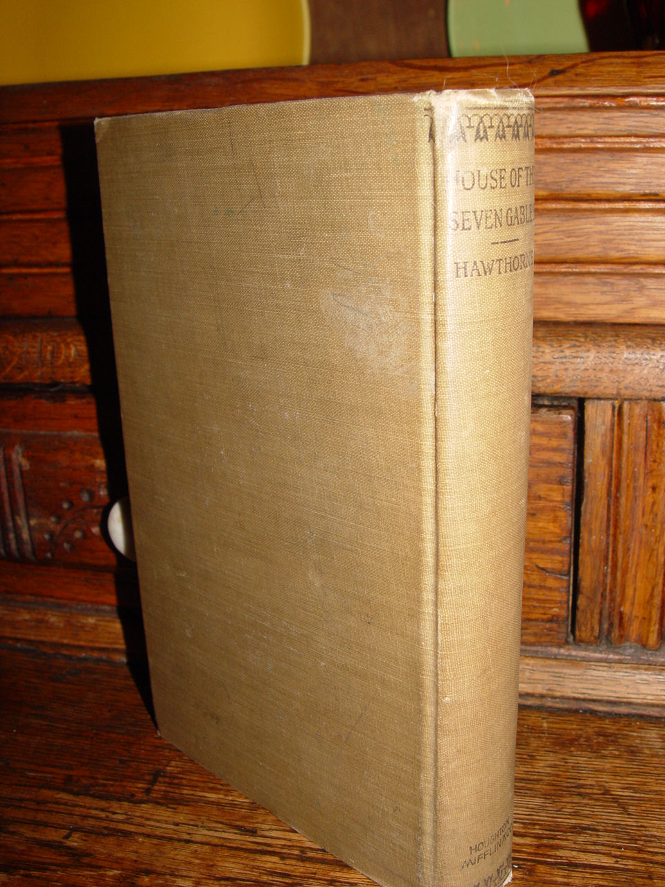 Riverside Literature Series                                         No 91 Nathaniel Hawthorne's                                         'House of the Seven Gables'                                         Houghton, Mifflin & Co.                                         1896