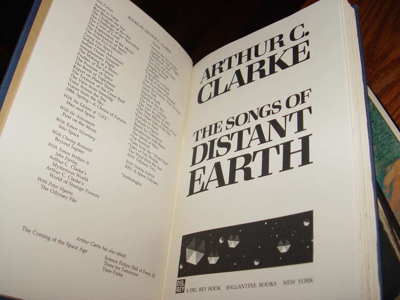 The Songs of                                         Distant Earth HB – 1986 First                                         Ed. by Arthur C. Clarke